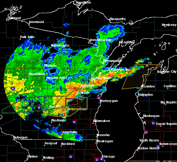 Radar Image for Severe Thunderstorms near Rosendale, WI at 8/28/2018 3:59 PM CDT