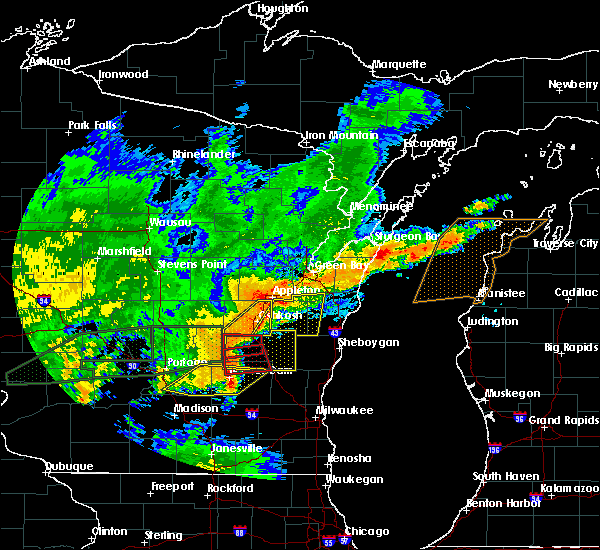 Radar Image for Severe Thunderstorms near Waupun, WI at 8/28/2018 4:05 PM CDT