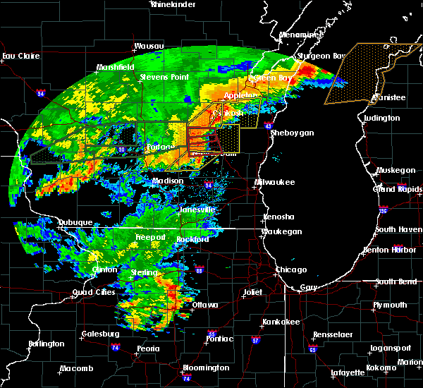 Radar Image for Severe Thunderstorms near Fall River, WI at 8/28/2018 4:08 PM CDT