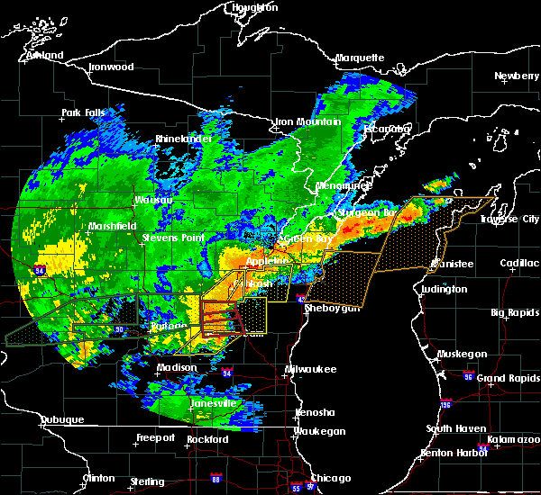 Radar Image for Severe Thunderstorms near Waupun, WI at 8/28/2018 4:11 PM CDT