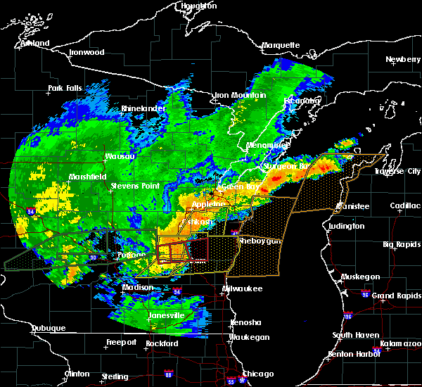 Radar Image for Severe Thunderstorms near Slinger, WI at 8/28/2018 4:18 PM CDT