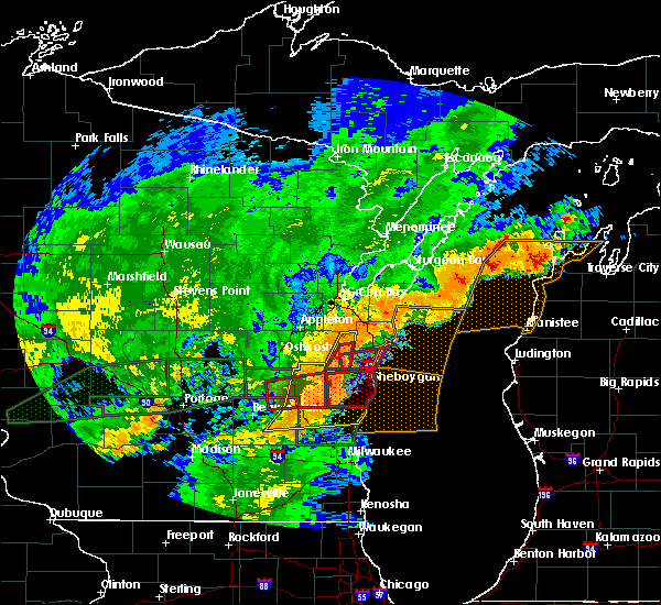 Radar Image for Severe Thunderstorms near Manitowoc, WI at 8/28/2018 4:43 PM CDT