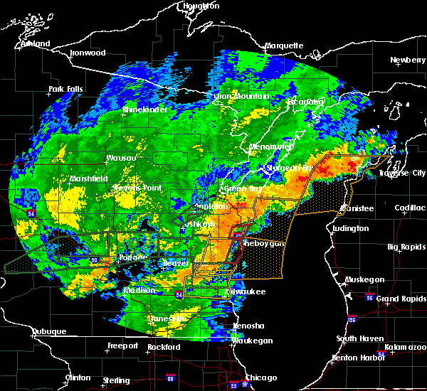 Radar Image for Severe Thunderstorms near Manitowoc, WI at 8/28/2018 4:55 PM CDT