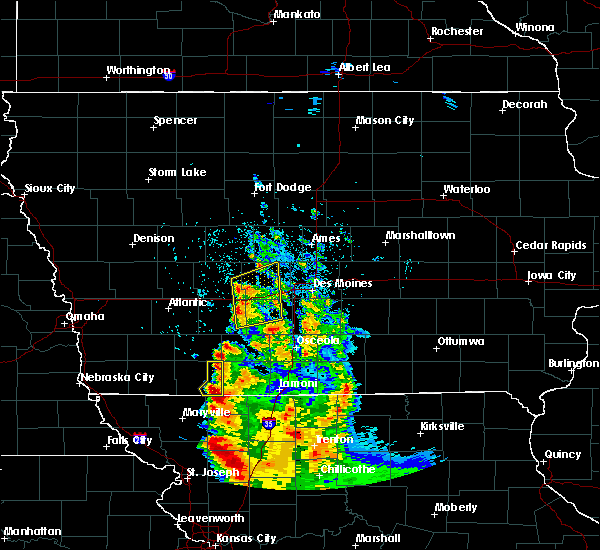 Radar Image for Severe Thunderstorms near Adel, IA at 8/31/2018 5:00 AM CDT