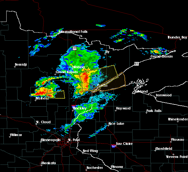 Radar Image for Severe Thunderstorms near Esko, MN at 8/31/2018 8:17 PM CDT