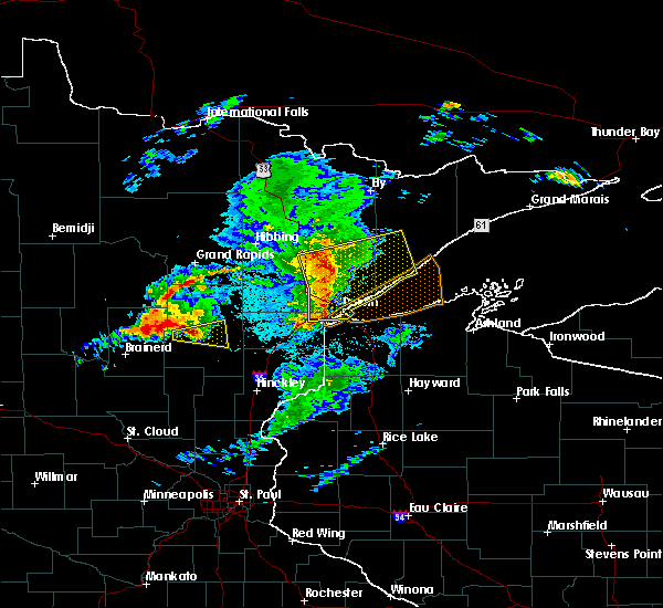 Radar Image for Severe Thunderstorms near Esko, MN at 8/31/2018 8:26 PM CDT