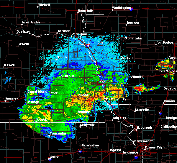Radar Image for Severe Thunderstorms near Hickman, NE at 9/1/2018 9:31 PM CDT