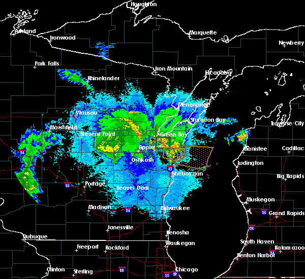 Radar Image for Severe Thunderstorms near Manitowoc, WI at 9/17/2018 8:52 PM CDT