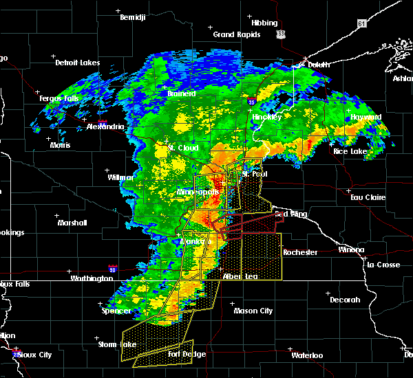 Radar Image for Severe Thunderstorms near St. Paul, MN at 9/20/2018 6:44 PM CDT