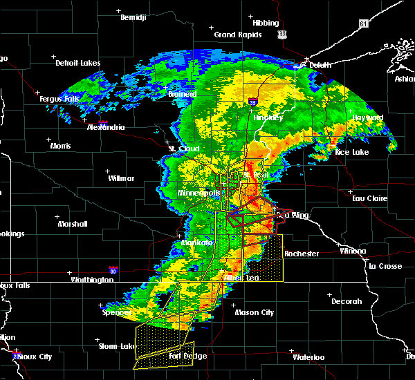 Radar Image for Severe Thunderstorms near St. Marys Point, MN at 9/20/2018 7:14 PM CDT