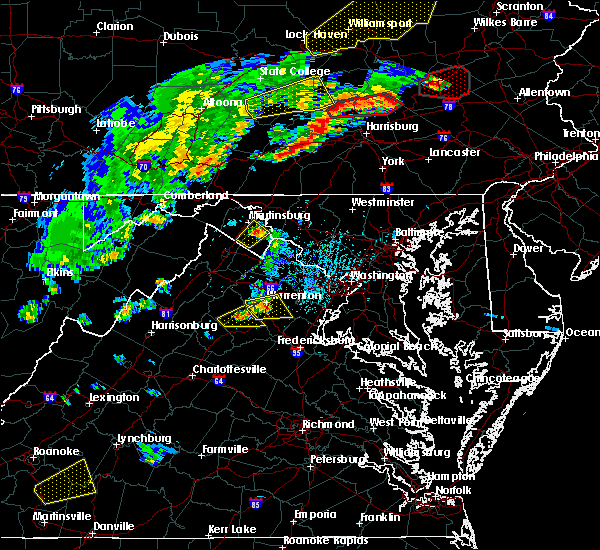Radar Image for Severe Thunderstorms near Eakles Mill, MD at 6/8/2015 4:22 PM EDT