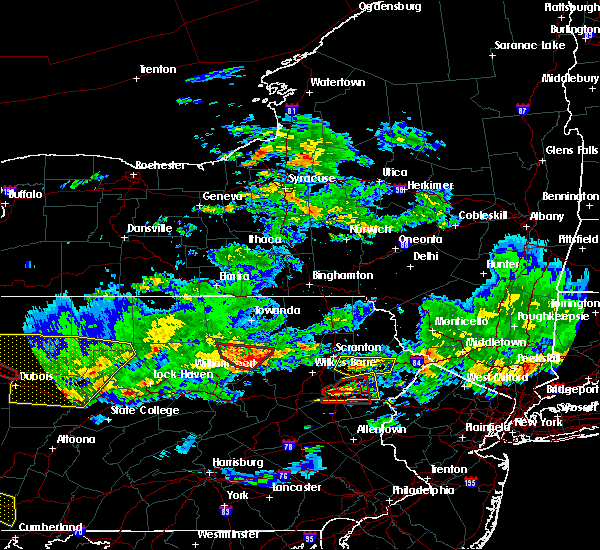Radar Image for Severe Thunderstorms near East Side, PA at 10/2/2018 6:32 PM EDT