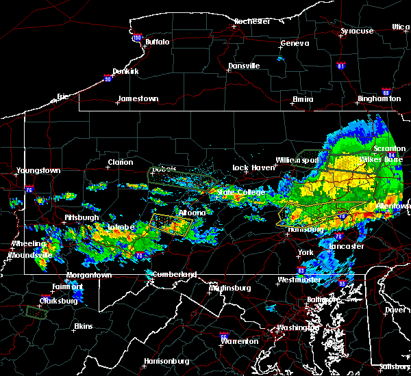 Radar Image for Severe Thunderstorms near Claysburg, PA at 10/2/2018 9:27 PM EDT