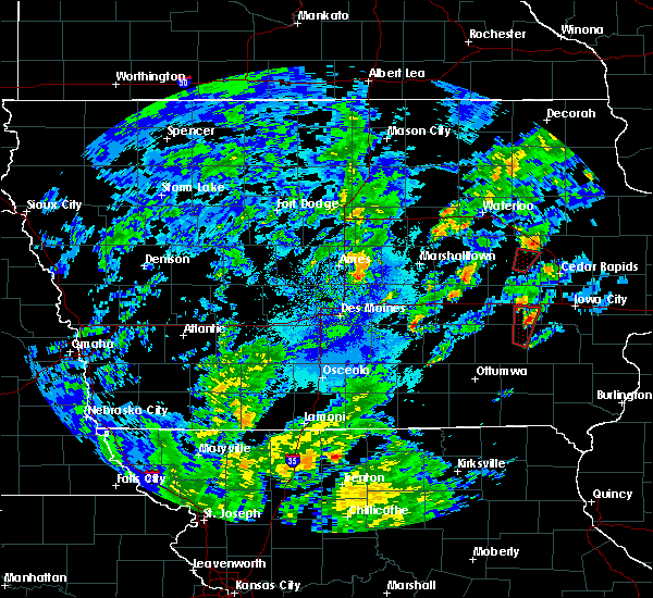 Radar Image for Severe Thunderstorms near Elberon, IA at 10/9/2018 4:32 PM CDT