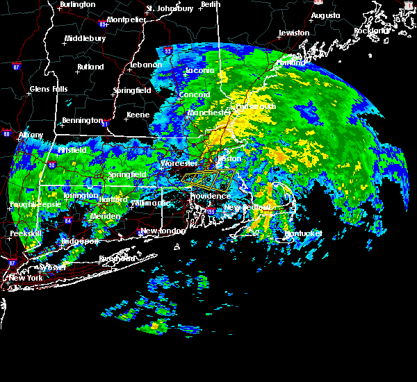 Radar Image for Severe Thunderstorms near Medfield, MA at 10/11/2018 5:06 PM EDT