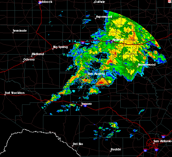Radar Image for Severe Thunderstorms near San Angelo, TX at 10/13/2018 8:02 AM CDT