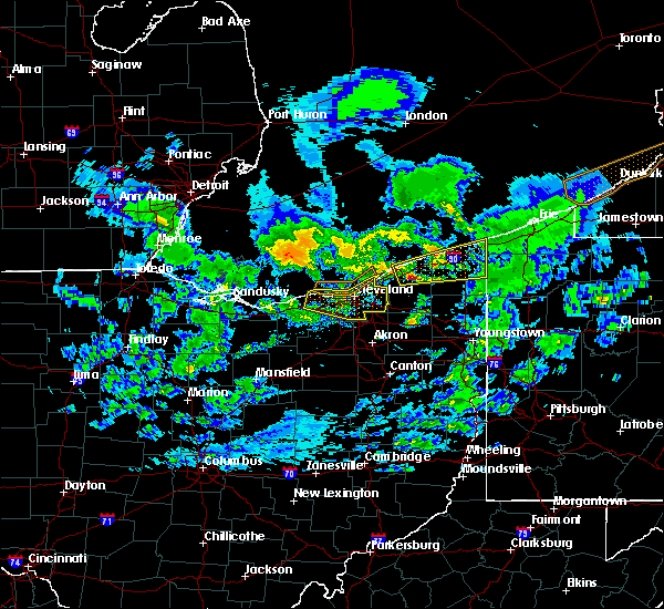 Radar Image for Severe Thunderstorms near Grand River, OH at 10/20/2018 4:38 PM EDT