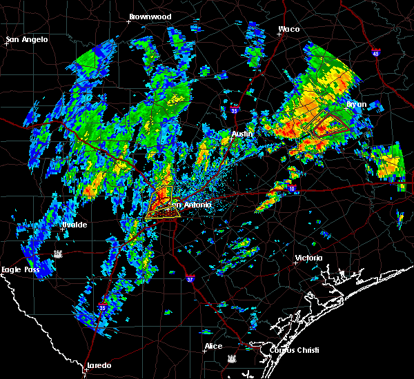 Radar Image for Severe Thunderstorms near Alamo Heights, TX at 10/31/2018 5:20 PM CDT