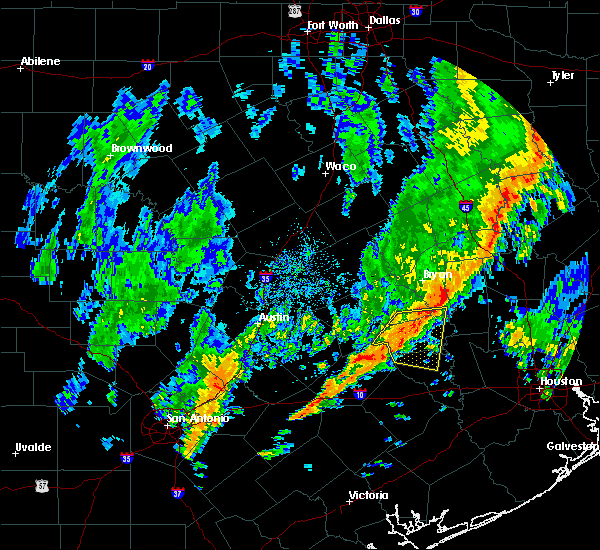 Radar Image for Severe Thunderstorms near Brenham, TX at 10/31/2018 6:09 PM CDT