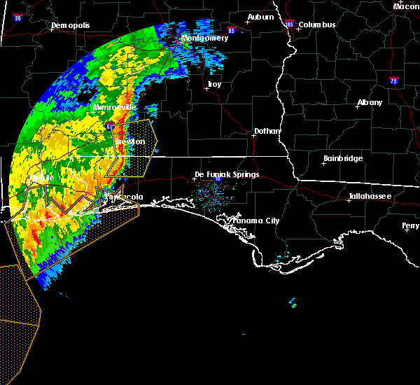 Radar Image for Severe Thunderstorms near Berrydale, FL at 11/1/2018 9:01 AM CDT