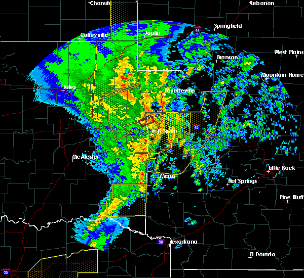 Radar Image for Severe Thunderstorms near St. Paul, AR at 11/30/2018 11:23 PM CST