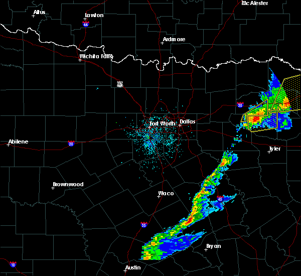 Radar Image for Severe Thunderstorms near Como, TX at 12/1/2018 12:21 AM CST