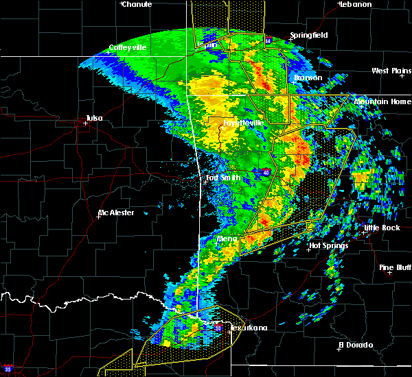 Radar Image for Severe Thunderstorms near Gilbert, AR at 12/1/2018 12:33 AM CST