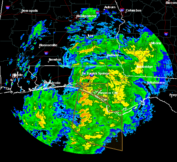 Radar Image for Severe Thunderstorms near Lynn Haven, FL at 12/8/2018 11:26 PM CST