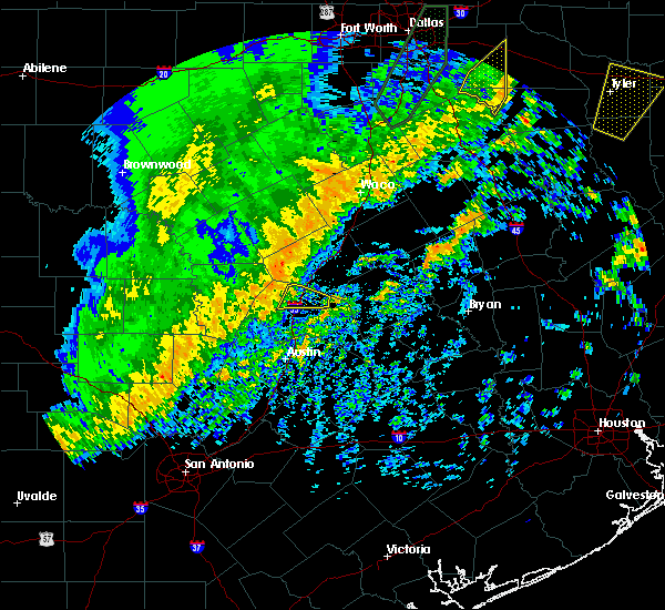 Radar Image for Severe Thunderstorms near Georgetown, TX at 12/26/2018 10:00 PM CST