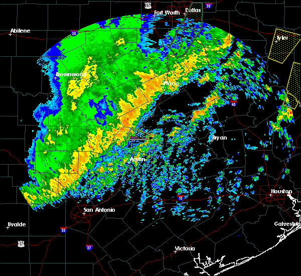 Radar Image for Severe Thunderstorms near Georgetown, TX at 12/26/2018 10:06 PM CST