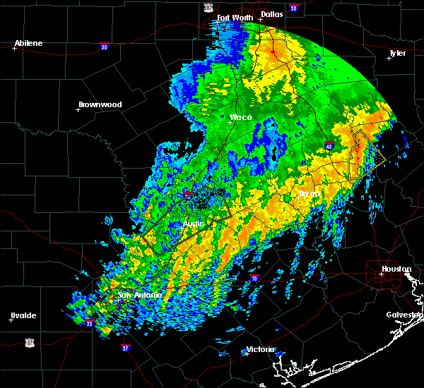 Radar Image for Severe Thunderstorms near Crockett, TX at 12/27/2018 1:14 AM CST