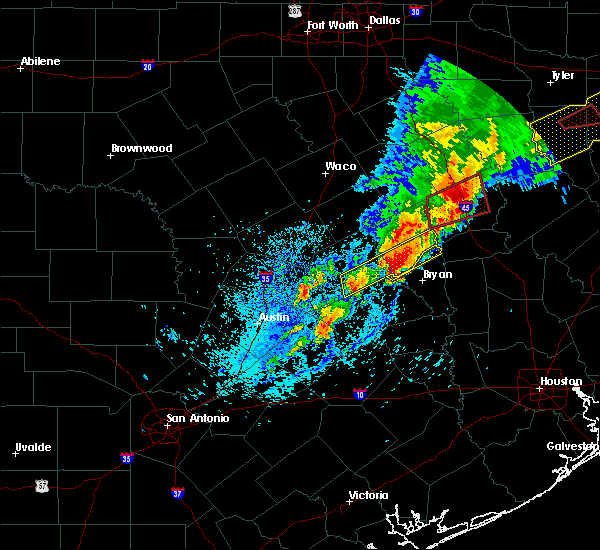 Radar Image for Severe Thunderstorms near Lake Bryan, TX at 4/6/2019 5:09 PM CDT