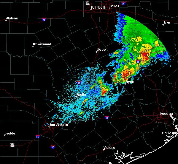 Radar Image for Severe Thunderstorms near Elkhart, TX at 4/6/2019 5:39 PM CDT