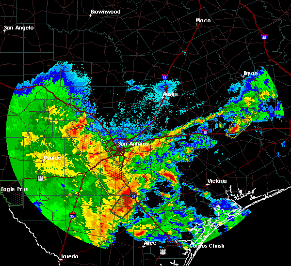 Radar Image for Severe Thunderstorms near Lakehills, TX at 4/7/2019 6:07 AM CDT