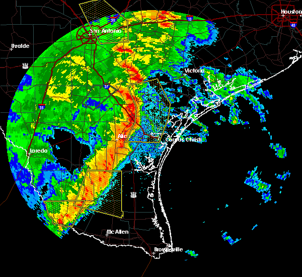 Radar Image for Severe Thunderstorms near Corpus Christi, TX at 4/7/2019 7:33 AM CDT
