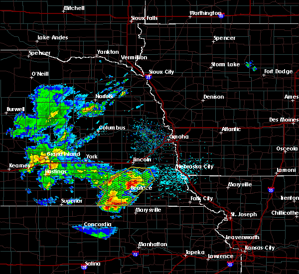 Radar Image for Severe Thunderstorms near Endicott, NE at 4/10/2019 8:52 PM CDT