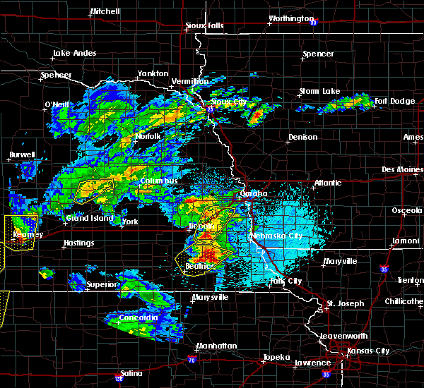 Radar Image for Severe Thunderstorms near Richfield, NE at 4/10/2019 9:51 PM CDT