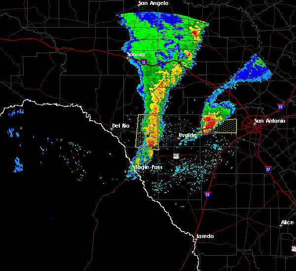 Radar Image for Severe Thunderstorms near Hondo, TX at 4/13/2019 8:25 AM CDT