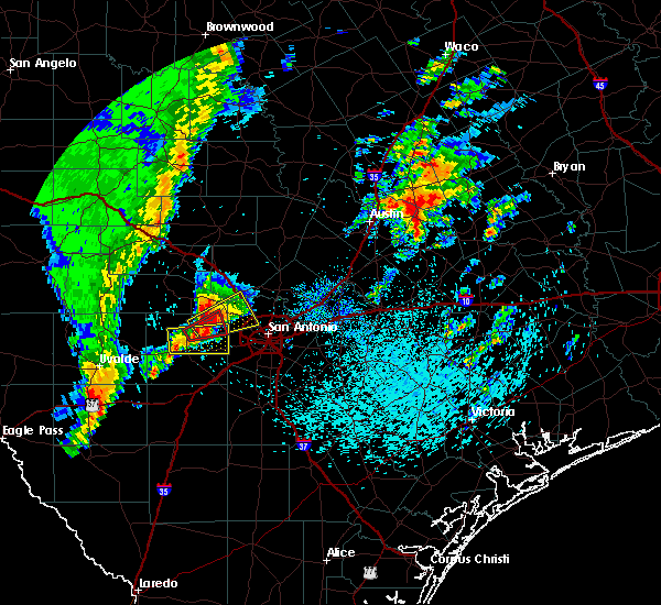 Radar Image for Severe Thunderstorms near Lakehills, TX at 4/13/2019 9:04 AM CDT