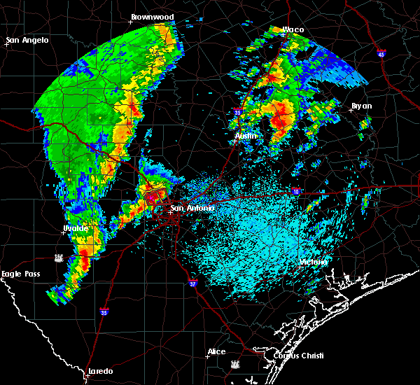 Radar Image for Severe Thunderstorms near Cross Mountain, TX at 4/13/2019 9:34 AM CDT