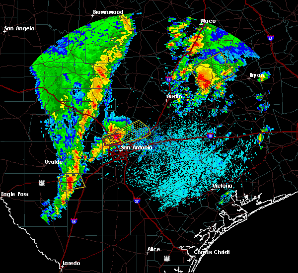 Radar Image for Severe Thunderstorms near Hollywood Park, TX at 4/13/2019 9:47 AM CDT
