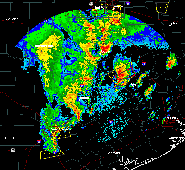 Radar Image for Severe Thunderstorms near Calvert, TX at 4/13/2019 11:08 AM CDT