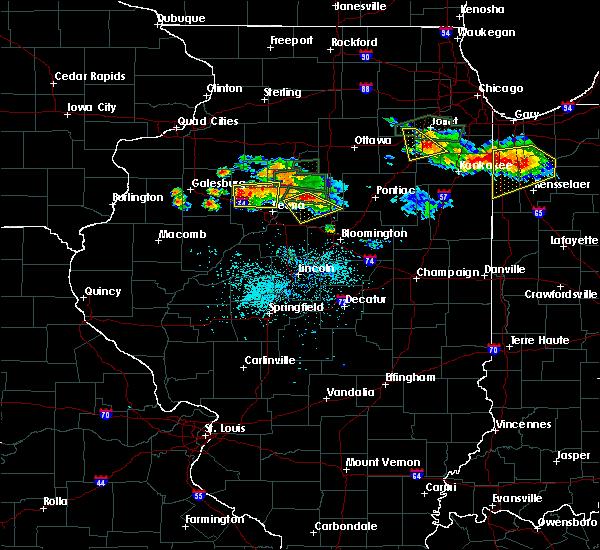 Radar Image for Severe Thunderstorms near Metamora, IL at 6/10/2015 8:27 PM CDT