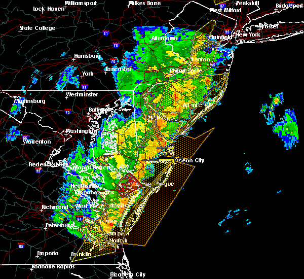 Radar Image for Severe Thunderstorms near Chincoteague, VA at 4/15/2019 4:04 AM EDT