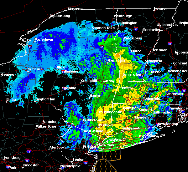Radar Image for Severe Thunderstorms near Chicopee, MA at 4/15/2019 5:27 AM EDT