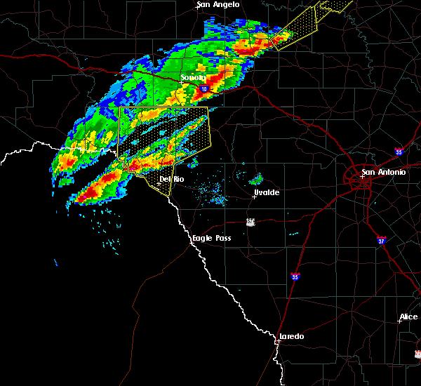 Radar Image for Severe Thunderstorms near Del Rio, TX at 4/17/2019 8:18 PM CDT