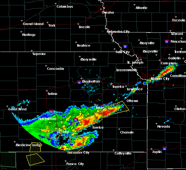 Radar Image for Severe Thunderstorms near Waverly, KS at 4/17/2019 8:30 PM CDT