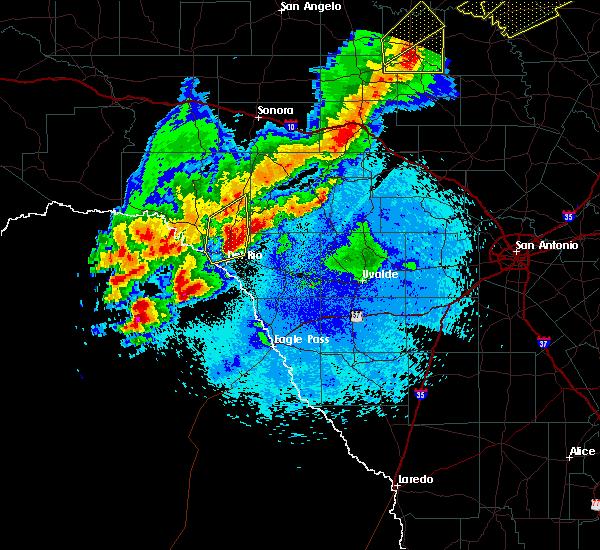 Radar Image for Severe Thunderstorms near Del Rio, TX at 4/17/2019 9:12 PM CDT