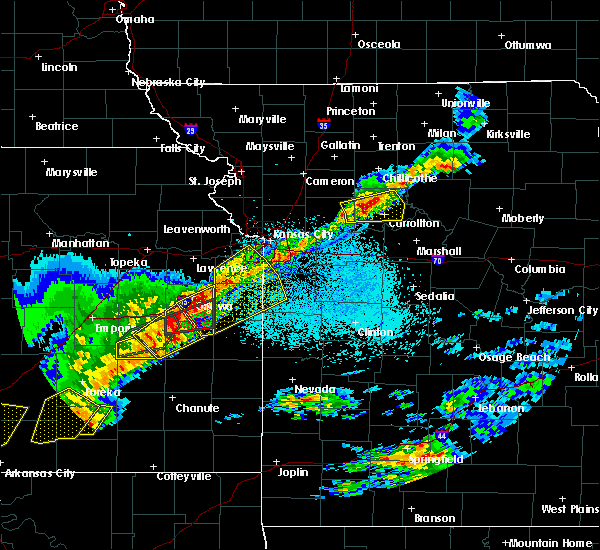 Radar Image for Severe Thunderstorms near Harris, KS at 4/17/2019 9:22 PM CDT