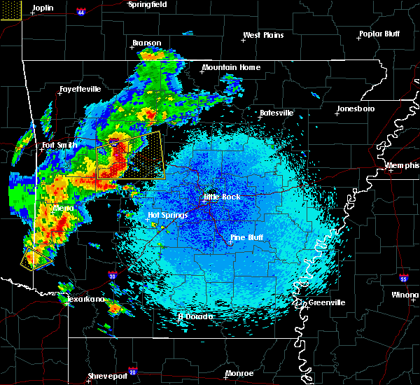 Radar Image for Severe Thunderstorms near New Blaine, AR at 4/18/2019 12:03 AM CDT